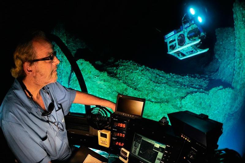 Всередині підводного човна DeepSee