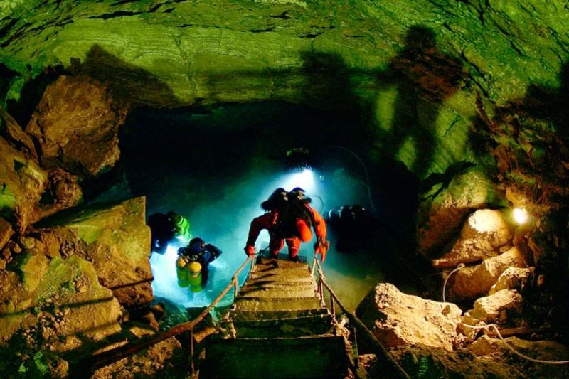 Вхід в Ординська печеру