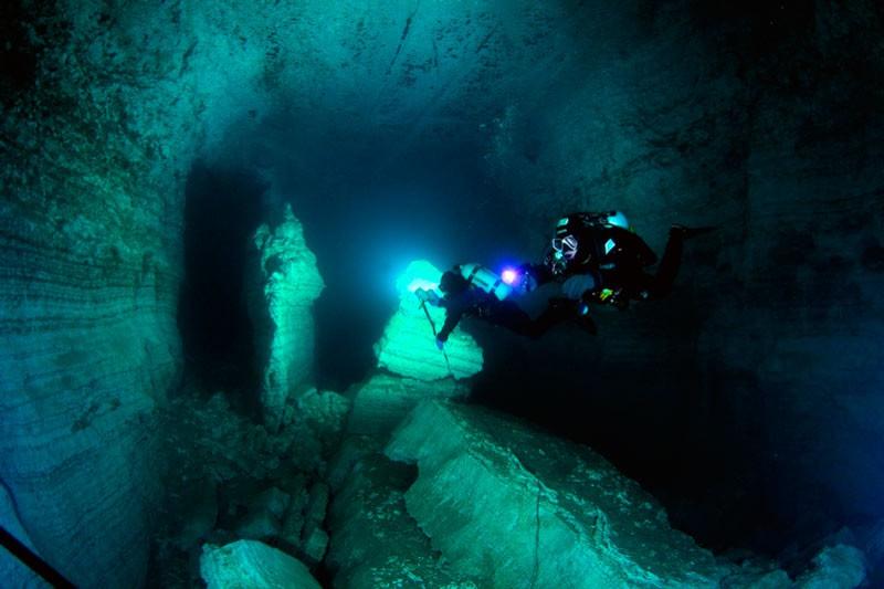 Ординська печера. Лівий хід, скеля Парус.