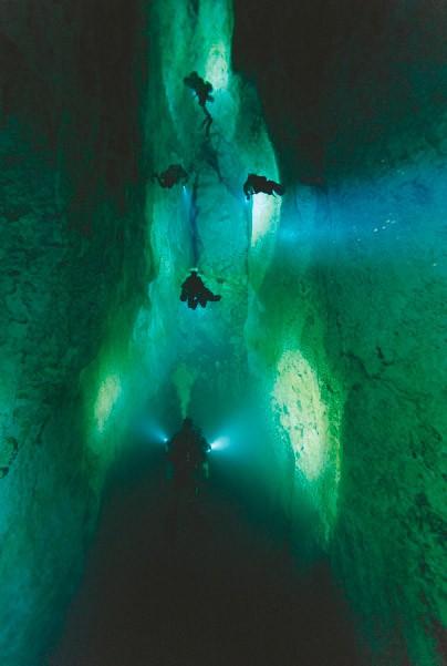 Північний коридор в Зоряних Воротах — блакитний дірі на острові Андрос