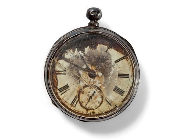 Срібний кишеньковий годинник піднятий з «Титаніка»